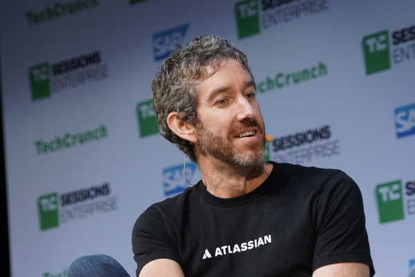 Pitch deck teardown: The making of Atlassian's 2015 roadshow discussion
